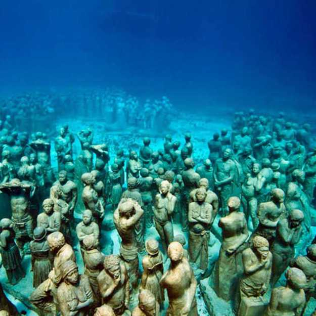 astonishing_underwater_museum_in_cancun_mexico_03