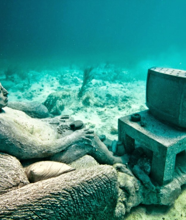 astonishing_underwater_museum_in_cancun_mexico_18