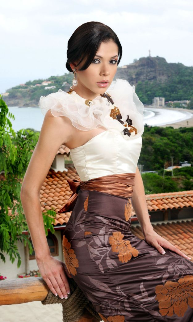 whos_the_most_gorgeous_woman_in_your_country_51