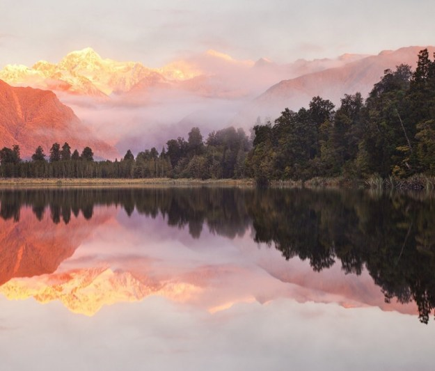 14-most-gorgeous-lakes-on-the-planet-019