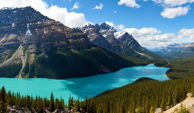 14-most-gorgeous-lakes-on-the-planet-025