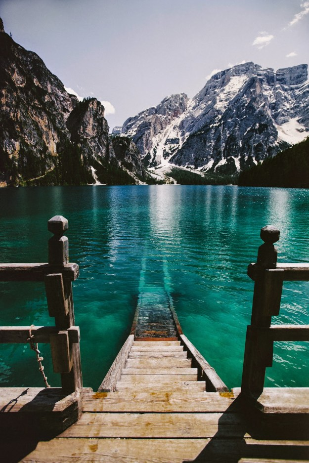 14-most-gorgeous-lakes-on-the-planet-037