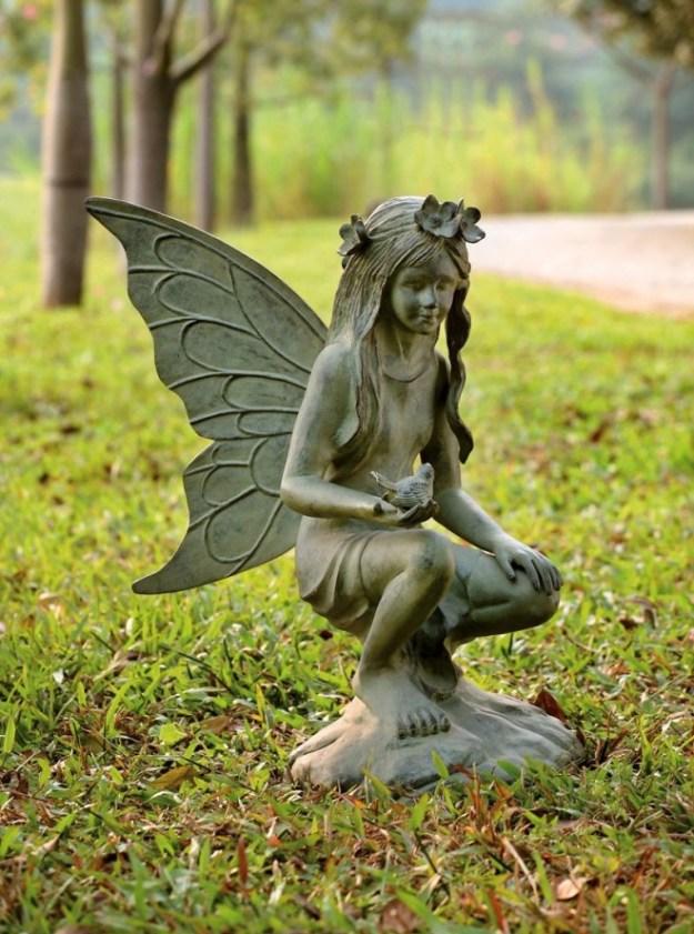 20-extravagant-garden-sculptures-02