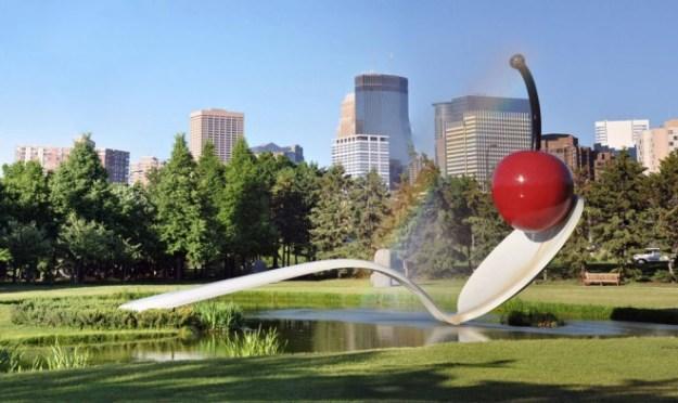 20-extravagant-garden-sculptures-07