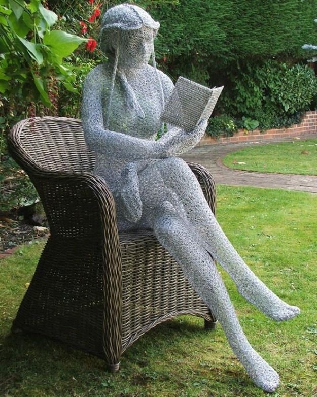 20-extravagant-garden-sculptures-09