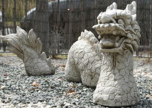 20-extravagant-garden-sculptures-12