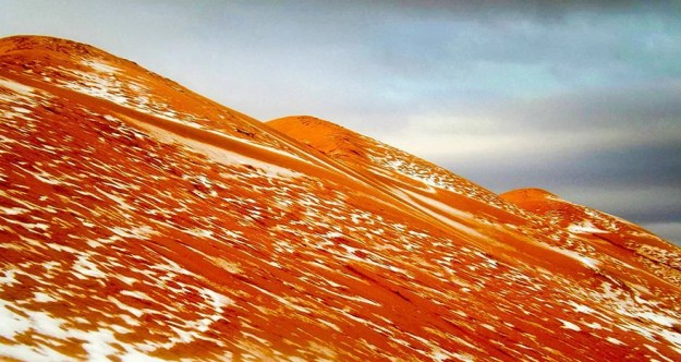 snow-falling-in-the-sahara-desert-is -oddly-satisfying-03