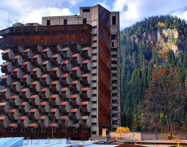 top-15-fantasticheskih-zdaniy-sovetskoy-arhitectury-05