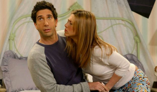 Ross și Rachel, Friends | 11 Personaje TV care au avut întâlniri cu oameni care nu erau la același nivel cu ei | Brain Berries