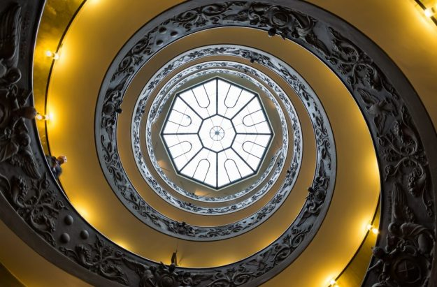 Momo Staircase | 15 Most Astonishing Staircases In the World | Brain Berries