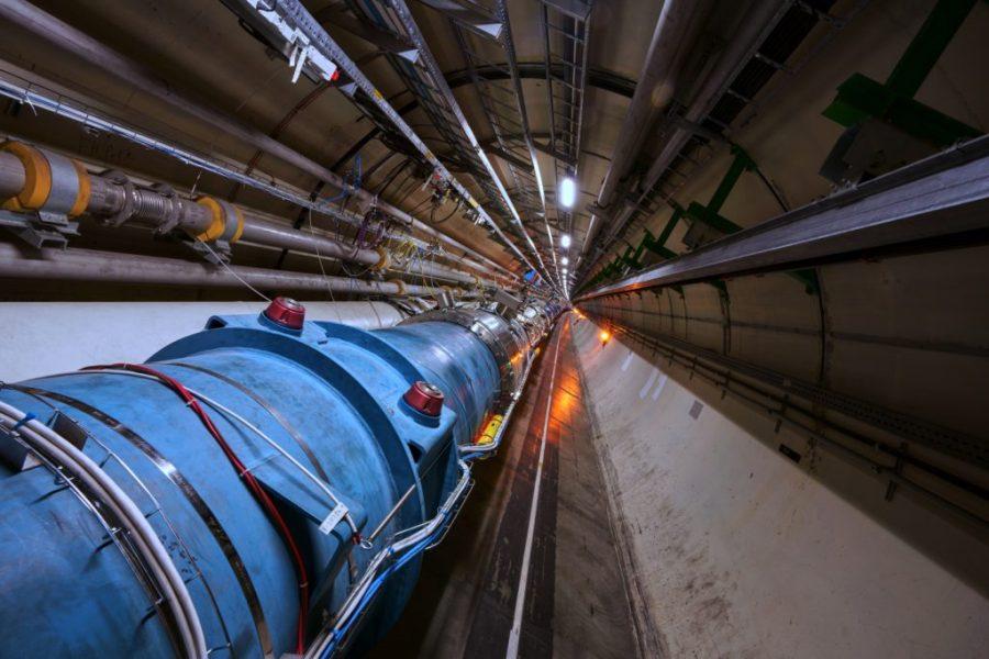 مصادم هادرون الكبير |  6 سيناريوهات نهاية العالم يمكن أن تحدث اليوم (ولكن نأمل ألا تحدث) |  التوت الدماغ