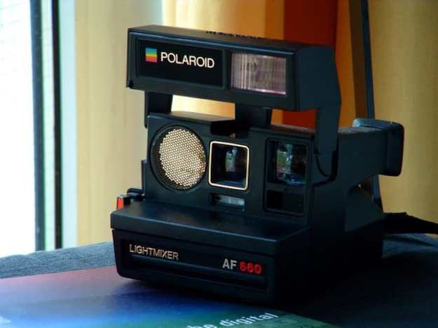 Polaroid Sun AF 660   8 Best 1980s Gadgets that Defined a Decade  Brain Berries