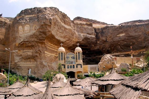 St Samaans Church, Mokattam village, Egypt exterior   17 Astonishingly Beautiful Cave Churches Around The World   Brain Berries
