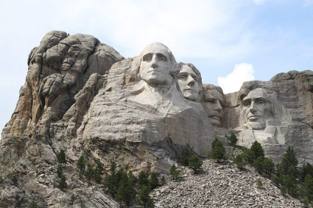 Mount Rushmore | 8 Symbols of Pride that Make America What it Is | Brain Berries