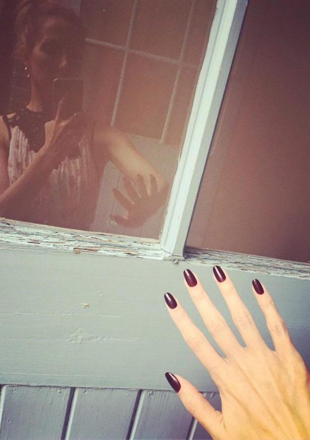 Лайвхак по маникюру от Нины Тейлор | Нина Тейлор - модель с самыми красивыми руками на планете | Brain Berries