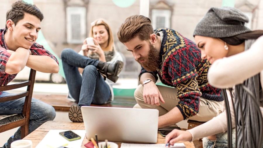 جيل الألفية لديهم فترة انتباه قصيرة |  5 أشياء تعتقد أنها ليست صحيحة عن جيل الألفية |  التوت الدماغ