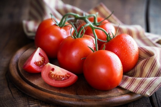 Tomatoes | 6 Common Genetically Modified Foods | Brain Berries
