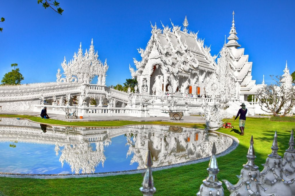 Wat Rong Khun | 7 Thailand's Most Exquisite Architectural Wonders | Brain Berries