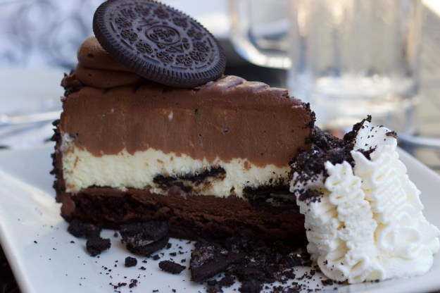 Oreo  Cheesecake  | 10 Foods That Are Guaranteed To Make You Happy | Brain Berries