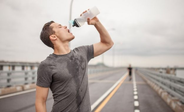 Skipping water   8 Things You Do After The Gym That Makes It Totally Useless   Brain Berries