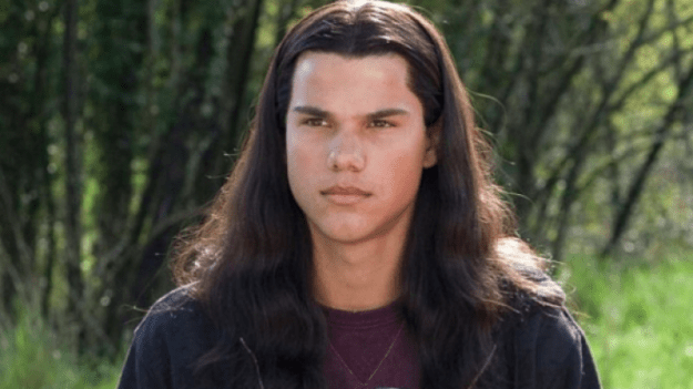 Lautner is an overrated actor | 6 Reasons Why Taylor Lautner's Movie Career Is Over | Brain Berries