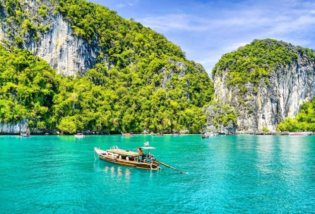 Thailand | 9 Best Destinations For Solo Travelers | Brain Berries
