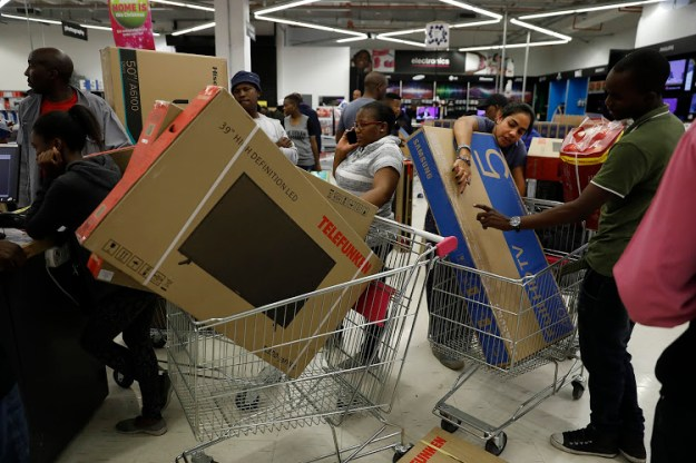 Don't go alone | 6 Simple Steps To Survive Black Friday | BrainBerries