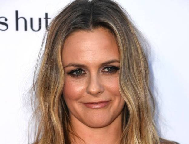 Alicia Silverstone – $20 Million   9 Stars From The 90s Who Are Still Rich   Brain Berries