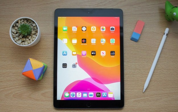 Apple iPad – $330 | 9 Must-Have Holiday Gadgets for Tech Lovers | Brain Berries