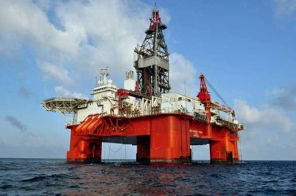 7. Oil Drilling   Top 9 Most Dangerous Jobs in the World   Brain Berries