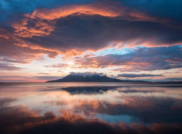 جزيرة إيغ (اسكتلندا) | 10 من أفضل أماكن غروب الشمس في العالم | زيسترادار