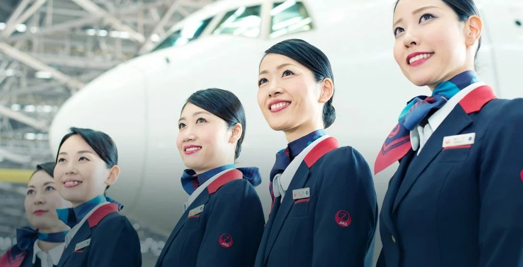 airlines with the most attractive flight attendants 6