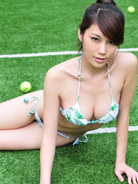 趙汐竹 - 爆乳低胸網球妹趙鑫、北京火辣曲線內衣模特兒