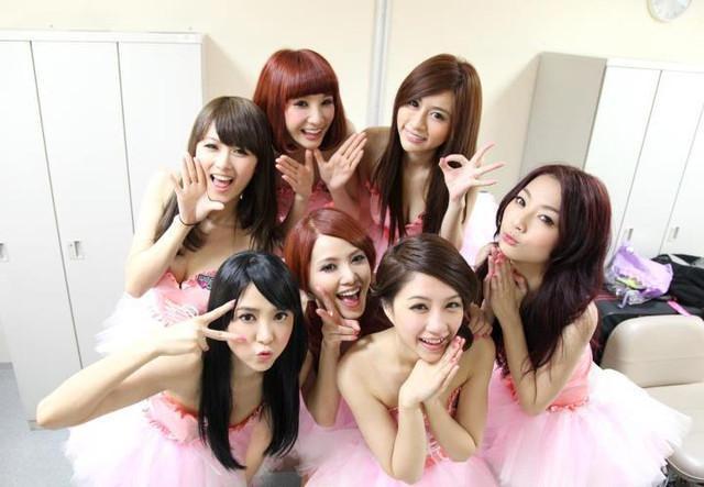 天氣女孩 - Weather Girls日本出道紅到日本去、巨乳開封激辣曲線騷翻天
