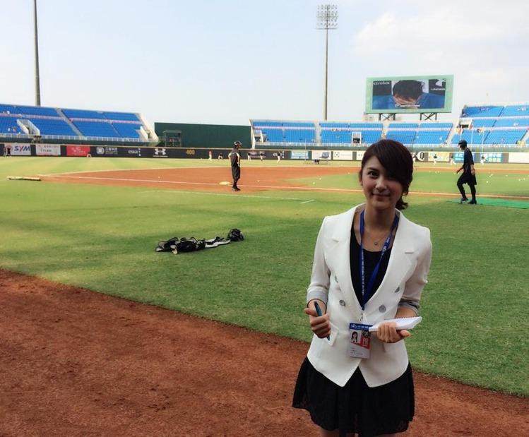 卓君澤 - 最正最受歡迎人氣女主播、FOX體育台甜美正妹