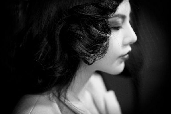 馮雨芝 - 四川美胸女神蜜桃嫩模巧露粉紅小點春光外洩、尺度大開拍翹臀性感裸照