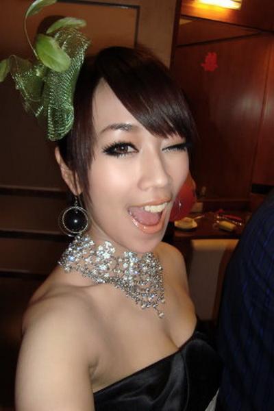 林佩瑤 - 星光2班華航最美最辣空姐也罷工、網友瘋傳華航罷工照神出美空姐