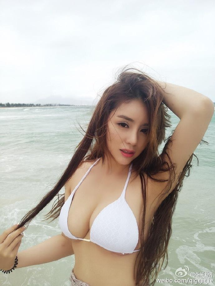 張琪格 - 美女主播鬥魚TV三騷最胸主播、超長逆天美腿太犯規爆乳美胸超誘人