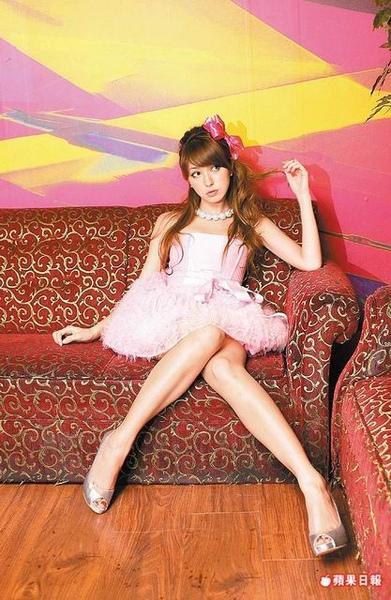 藤井莉娜 - 超女神Lena來台灣囉亞洲最大型AFA in Taipei、爆乳走秀擠胸倒奶成全場焦點、VIVI雜誌御用混血模特兒畢業了、無害性感惹火身材超好