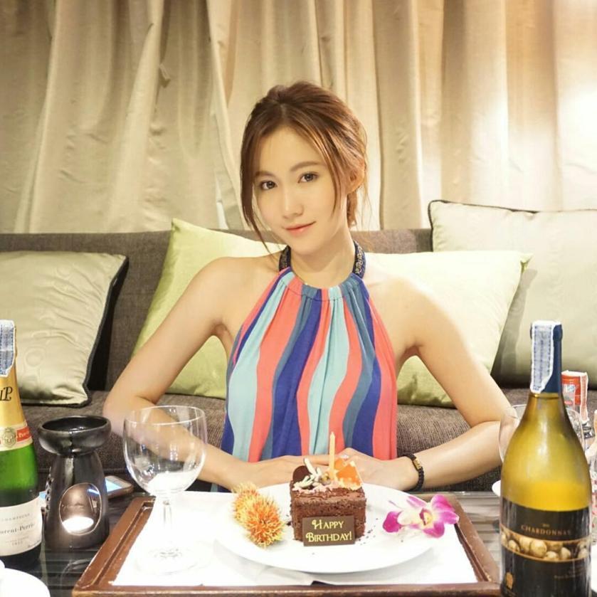 黃子菲 - 嫩版張柏芝YES校花Ava Wong、IG女神離婚大律師黃添偉已4年、甜美系正妹微博小花