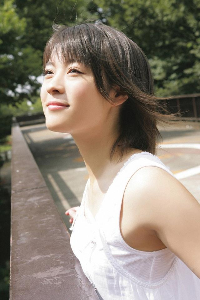 北乃綺 - 日本新生代偶像女星哈台族、縱慾上賓館開房被拍痛丟3千萬廣告、肉食女又出包當街發浪磨蹭男生下體