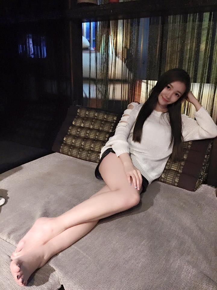 鄭喬尹 - 愛心美女JoSie神似郭雪芙進軍演藝圈、高顏值氣質甜美修長美腿辣妹偏鄉做公益