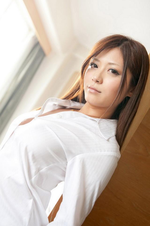 佐藤遙希 - 巨乳慾女AV女優