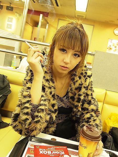 柳小御 - 左岸最美日系美女編劇網友大呼想被寫進她的人生劇本 、時尚網紅長腿模特兒美胸辣腿好性感