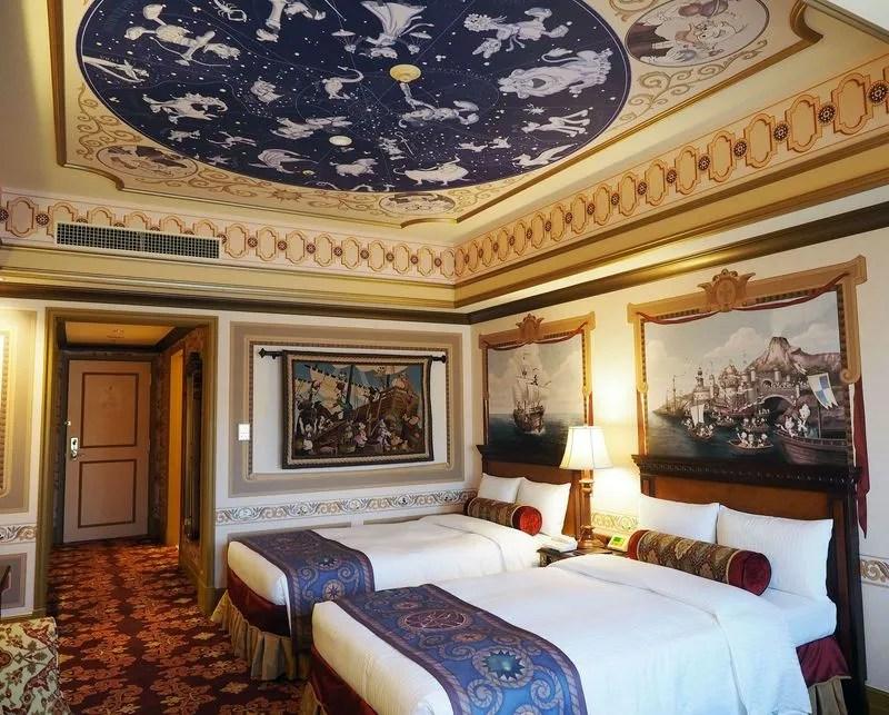 「ディズニーホテル 隠れミッキー」の画像検索結果