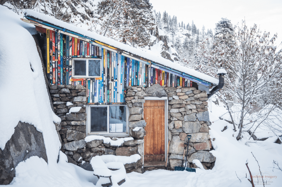 stunningly-dreamy-remote -cabins-in-the-middle-of-nowhere-01