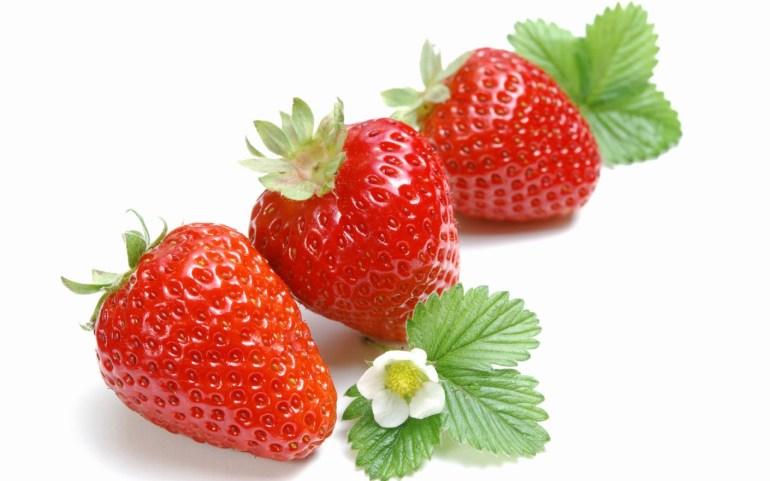 07-frutas-que-te-ayudarán-a-adelgazar-fresas