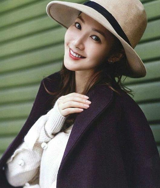 Đội mũ  | 15 gợi ý phong cách thời trang của phụ nữ Á Đông | Her Beauty