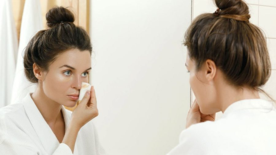 Remove makeup     9 Best Tips To Get Glowing Skin In Summer Naturally   Her Beauty