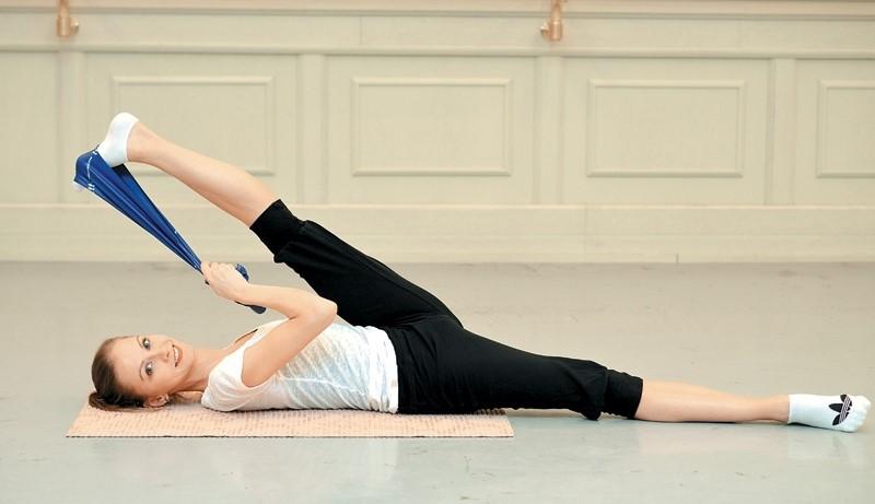 8 упражнений, которые помогут вам быстро и безболезненно сесть на шпагат #10 | Her Beauty